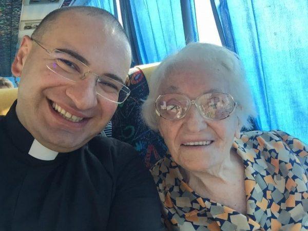 Brusciano, la maestra Rosa Di Napoli compie 100 anni: sensibile ...
